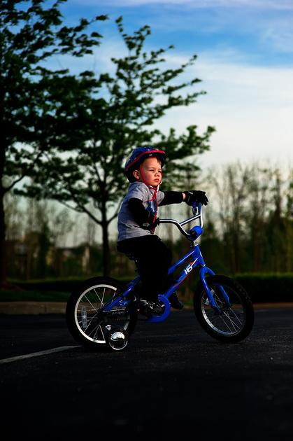Wyatt's Ride (D3S, ISO200, -2/3EV, f/2.8 @ 1/6400sec Through Nikkor 85mm f/1.4)